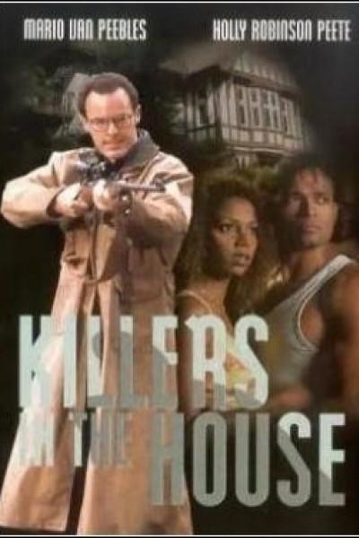 Caratula, cartel, poster o portada de Asesinos en casa