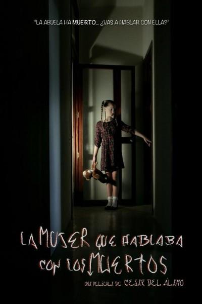 Caratula, cartel, poster o portada de La mujer que hablaba con los muertos