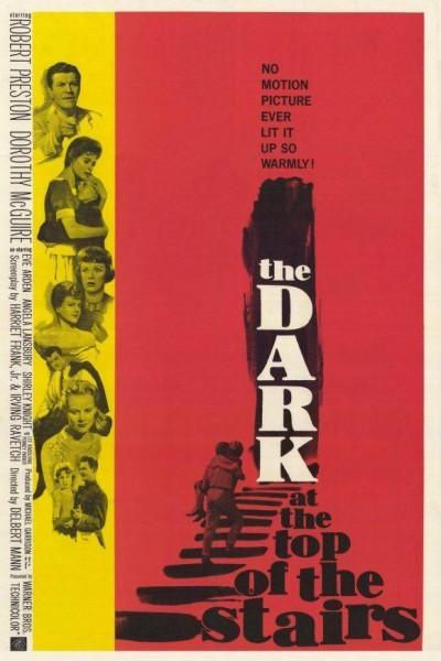 Caratula, cartel, poster o portada de En la escalera oscura