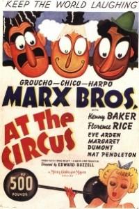 Caratula, cartel, poster o portada de Una tarde en el circo