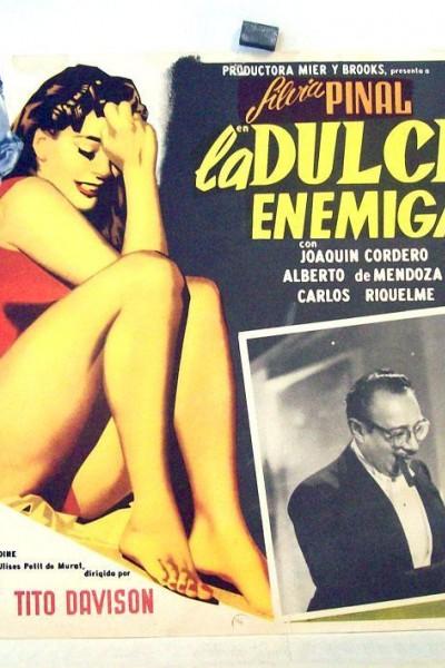 Caratula, cartel, poster o portada de La dulce enemiga