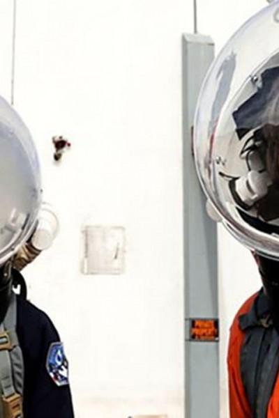 Caratula, cartel, poster o portada de Turismo espacial
