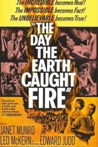 Caratula, cartel, poster o portada de El día en que la tierra se incendió