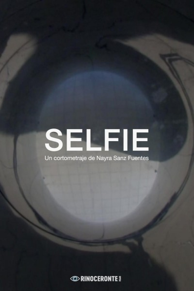 Caratula, cartel, poster o portada de Selfie