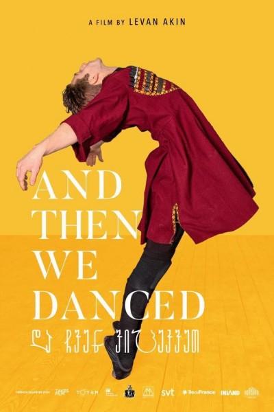 Caratula, cartel, poster o portada de Solo nos queda bailar