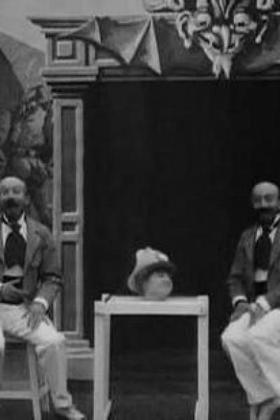 Caratula, cartel, poster o portada de L\'illusioniste double et la tête vivante