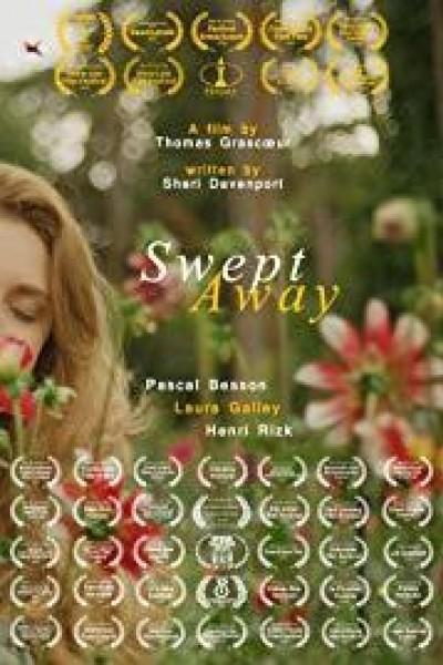 Caratula, cartel, poster o portada de Swept Away