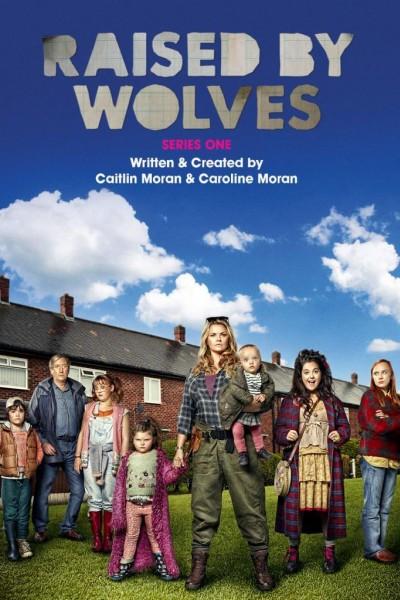 Caratula, cartel, poster o portada de Raised by Wolves