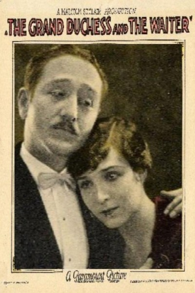Caratula, cartel, poster o portada de La gran duquesa y el camarero