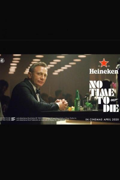 Caratula, cartel, poster o portada de Daniel Craig vs James Bond