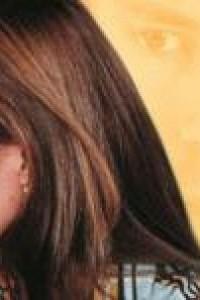 Caratula, cartel, poster o portada de Leonela