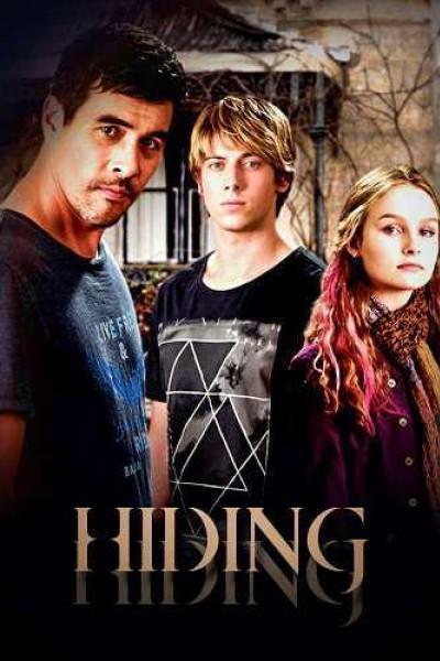 Caratula, cartel, poster o portada de Hiding